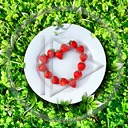 serce miłość serduszka trawa truskawka truskawki talerz miłosne danie serduszko serca talerze