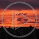 słońce chmury miasto koniec dzień domy wieczór czerwony budynki mocny miasteczko zachód słońca krajobrazy piękno kolory pomarańcz czerwień koniec dnia